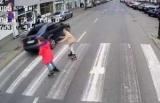 Українець ледь не збив двох школярок на переході в Польщі - відео