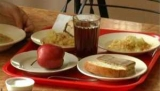 Рівненщина: через отруєння в шкільній їдальні госпіталізовано 9 першокласників