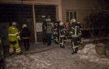 У Києві горів багатоквартирний будинок. Мешканці підозрюють - через бездомних