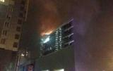Пожежний зайшов в епіцентр полум'я: з'явилися деталі про НП в Києві