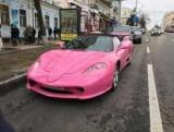 У Києві помітили рожеву Ferrari